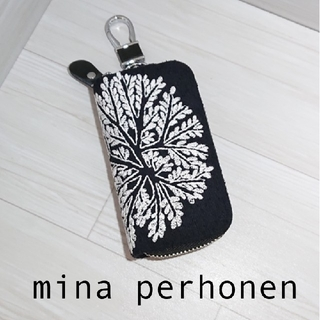 ミナペルホネン(mina perhonen)のミナペルホネン スマート キーケース 新作 forest dot  (キーケース)