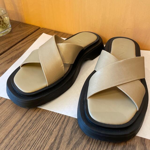 MANGO(マンゴ)のサンダル レディースの靴/シューズ(サンダル)の商品写真