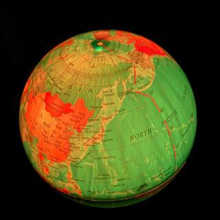 フランフラン(Francfranc)のMagic Revolving Globe 回って光る地球儀 新品 動作確認済み(知育玩具)