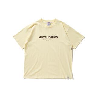 """ベドウィン(BEDWIN)のBEDWIN X HOTEL DRUGS TEE """"ETHAN"""" (BEIGE)(Tシャツ/カットソー(半袖/袖なし))"""