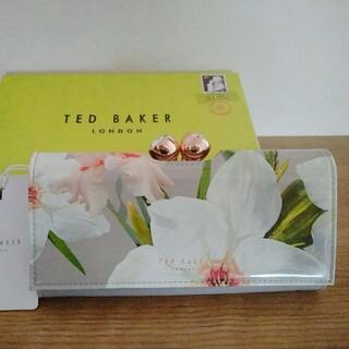 テッドベイカー(TED BAKER)の取置中 TED BAKER   長財布 花柄【未使用品】(財布)