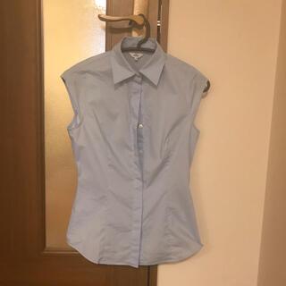 イネド(INED)の水色ノースリーブシャツ(シャツ/ブラウス(半袖/袖なし))
