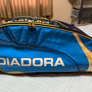 ディアドラ(DIADORA)の美中古 超レアエナメル素材 DIADORAラケットバック (9本用)(バッグ)