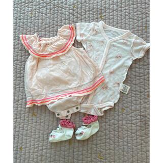 ベビーギャップ(babyGAP)の値下げ【未使用】Baby GAP フリルロンパース 肌着、靴下、ヘアバンドセット(その他)