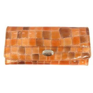 アザー(other)のコッコフィオーレ 長財布 二つ折り エナメル クロコ型押し レザー オレンジ(財布)
