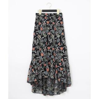 グレースコンチネンタル(GRACE CONTINENTAL)のボタニカルチュール刺繍スカート(ひざ丈スカート)
