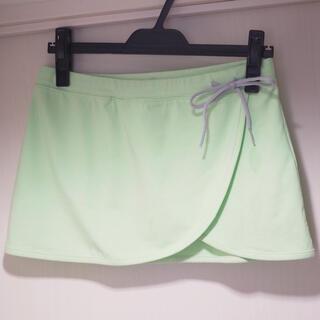 ユニクロ(UNIQLO)の【未使用】ユニクロ ランニングスカート Sサイズ レディース(ウェア)