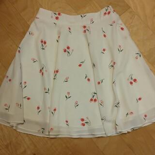 ロディスポット(LODISPOTTO)の美品。可愛いお花柄フレアスカート(ひざ丈スカート)