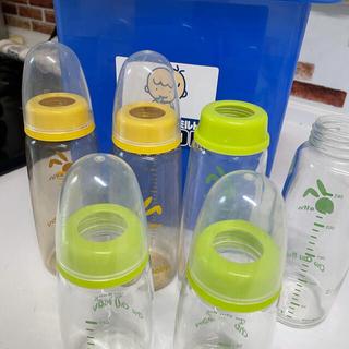 ニシマツヤ(西松屋)のミルトン哺乳瓶セットおまけ付き꙳★*゚(哺乳ビン)