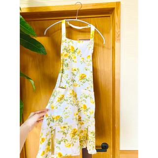 ローラアシュレイ(LAURA ASHLEY)のローラアシュレイ 花柄 エプロン 綺麗 イエロー(収納/キッチン雑貨)