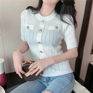リゼクシー(RESEXXY)の【残り1点】ボタンポイント半袖トップス(ホワイト)(カットソー(半袖/袖なし))
