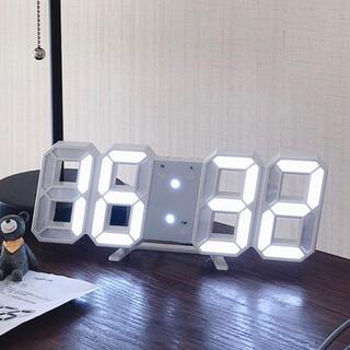 IKEA - デジタル目覚まし時計USB電池