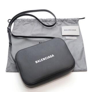 バレンシアガ(Balenciaga)の【BALENCIAGA】カメラバッグ/ロゴ(ボディーバッグ)