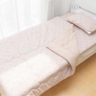 シマムラ(しまむら)の新品未使用 完売品 プチプラのあや 寝具3点セット バッグ付き ベージュ 星柄(布団)