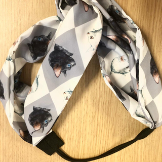 ボシュプルメット(bortsprungt)のヒグチユウコ メラントリックヘムライト 白黒猫カチューム(ヘアバンド)