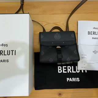 ベルルッティ(Berluti)のベルルッティ リポーター スモール キャンバス&レザー セカンドバッグ(ショルダーバッグ)