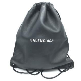 バレンシアガ(Balenciaga)のバレンシアガ504985エブリデイ ロゴ ドローストリング リュック・デイパック(リュック/バックパック)