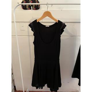ミュウミュウ(miumiu)の最終お値下げ🍩🍩miumiu black dress.(ひざ丈ワンピース)