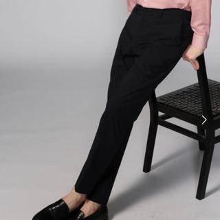 トゥモローランド(TOMORROWLAND)の新品未使用 トゥモローランド コットンシャンブレーイージーパンツ 紺のスラックス(スラックス)