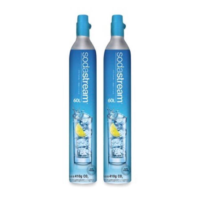 ソーダストリーム ドリンクメイト ガスシリンダー 60L x 2本 炭酸ガス充填 食品/飲料/酒の飲料(ミネラルウォーター)の商品写真