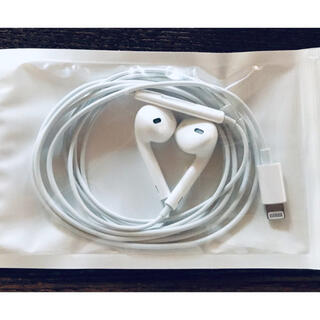 アップル(Apple)の5アップル純正イヤホン iPhone X 付属品 ライニングタイプ 同動作確認済(ヘッドフォン/イヤフォン)