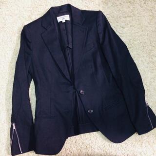 ユニクロ(UNIQLO)のUNIQLO×CARINE ROITFELD PARIS ブラックジャケット(テーラードジャケット)