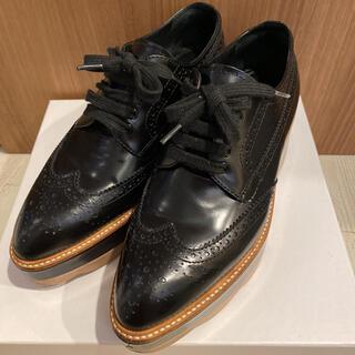 プラダ(PRADA)のプラダ 厚底ウィングチップシューズ(ローファー/革靴)
