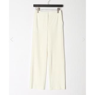 トゥモローランド(TOMORROWLAND)の新品タグ付き トゥモローランド 白パンツ 34(カジュアルパンツ)