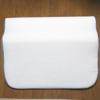 ニトリ - ニトリ肩・首・背中も支える枕