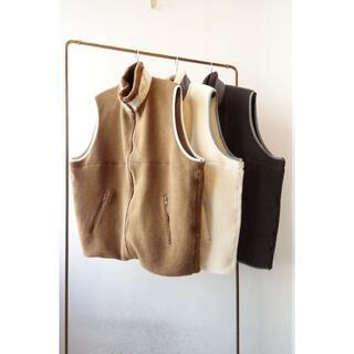 コモリ(COMOLI)の20aw Graphpaper Wool Boa Zip-Up Vest(ベスト)