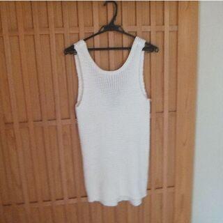リゼクシー(RESEXXY)のリゼクシーの白のカットソー(カットソー(半袖/袖なし))