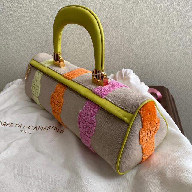 ROBERTA DI CAMERINO(ロベルタディカメリーノ)のRoberta di camerino バゴンギ 着物 結婚式 バッグ ロベルタ レディースのバッグ(ハンドバッグ)の商品写真