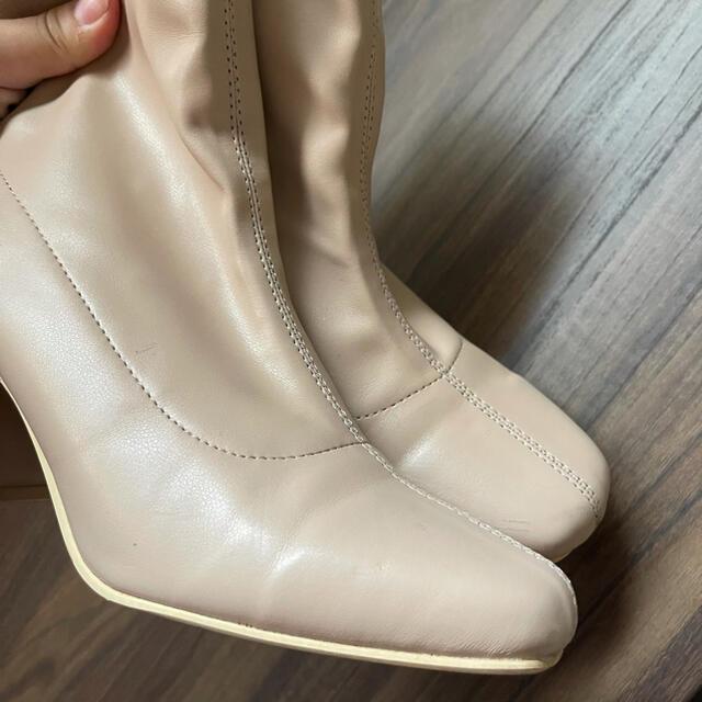 GRL(グレイル)のベージュのショートブーツ レディースの靴/シューズ(ブーツ)の商品写真
