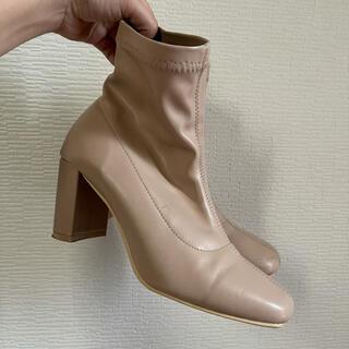 グレイル(GRL)のベージュのショートブーツ(ブーツ)