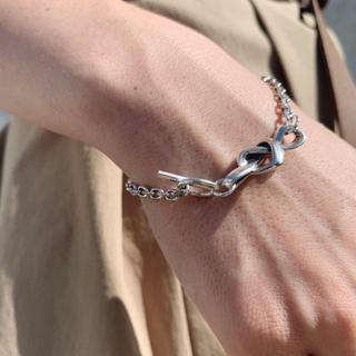 ビューティアンドユースユナイテッドアローズ(BEAUTY&YOUTH UNITED ARROWS)の lateral heart knot bracelet(ブレスレット/バングル)