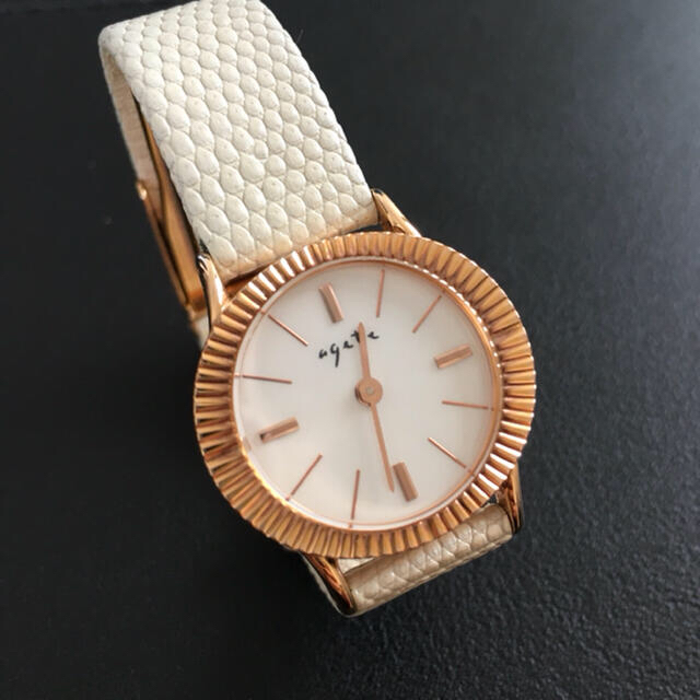 agete(アガット)のagete アガットラウンドフェイス革ベルトウォッチ レディースのファッション小物(腕時計)の商品写真