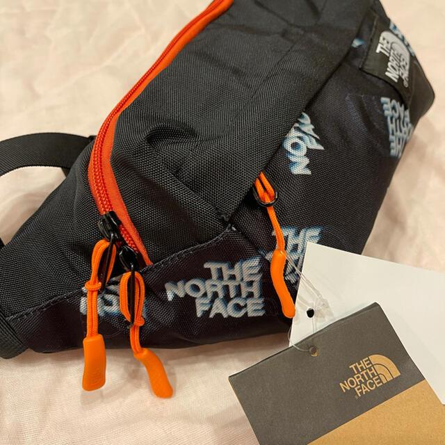 THE NORTH FACE(ザノースフェイス)の 2021年新商品ノースフェイスのボディバッグ☆ レディースのバッグ(ボディバッグ/ウエストポーチ)の商品写真