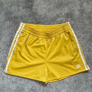 アディダス(adidas)の【美品】adidas オリジナル 黄色 ショートパンツ(ショートパンツ)