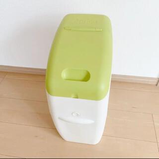 アップリカ(Aprica)のアップリカ オムツ ゴミ箱 におわなくてポイ(紙おむつ用ゴミ箱)