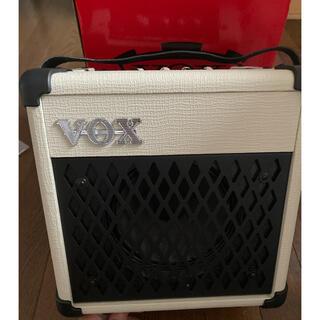 ヴォックス(VOX)のVOX MINI5 Rhythm白 ギターアンプ/エフェクトリズムマシン内蔵(ギターアンプ)