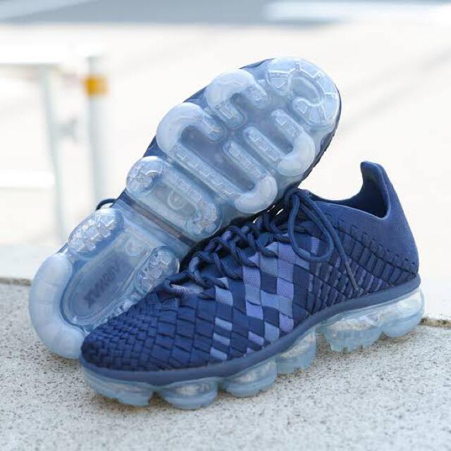 NIKE(ナイキ)の美品 完売 NIKE AIR VAPORMAX INNEVA ネイビー 27cm メンズの靴/シューズ(スニーカー)の商品写真