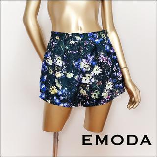 エモダ(EMODA)のEMODA 花柄 ショートパンツ*ジーナシス SLY アズール EMODA(ショートパンツ)