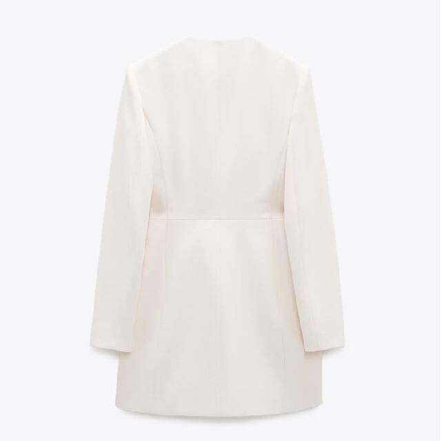 ZARA(ザラ)のZARA ボタン付き ブレザー ジャケット ホワイト エクリュ バニラ レディースのジャケット/アウター(その他)の商品写真