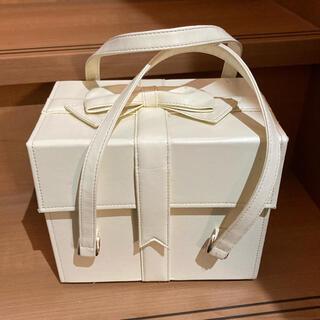 エミリーテンプルキュート(Emily Temple cute)のプレゼントBOXバニティ ホワイト(ハンドバッグ)