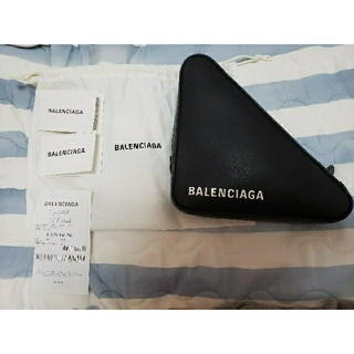バレンシアガ(Balenciaga)の新品未使用 BALENCIAGA トライアングルクラッチ ブラック(クラッチバッグ)