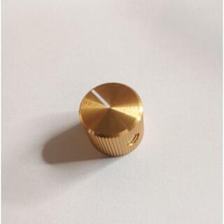 アルミニウム製ドレスアップノブ Small 金 13x15mm 幅6.4mm(エフェクター)