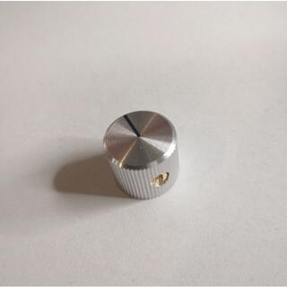 アルミニウム製ドレスアップノブ Small 銀 13x15mm 幅6.4mm(エフェクター)