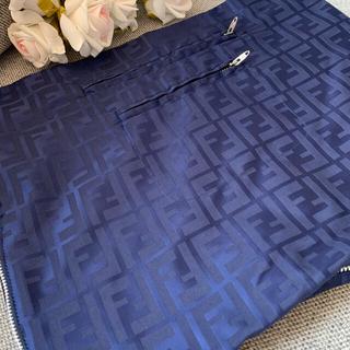 FENDI - FENDI 大きな衣装ケース 大きなポーチ お洋服と同じお素材で贅沢お作り✨