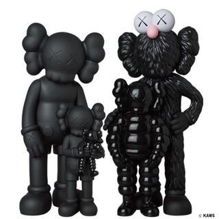 メディコムトイ(MEDICOM TOY)のKAWS FAMILY BLACK (キャラクターグッズ)