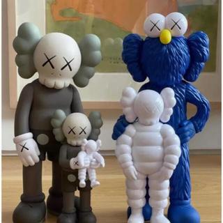 KAWS FAMILY BROWN/BLUE/WHITE(その他)
